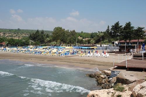 坤納巴海灘飯店/
