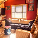 Grand Tree House, 1 King Bed with Sofa bed - Living Area