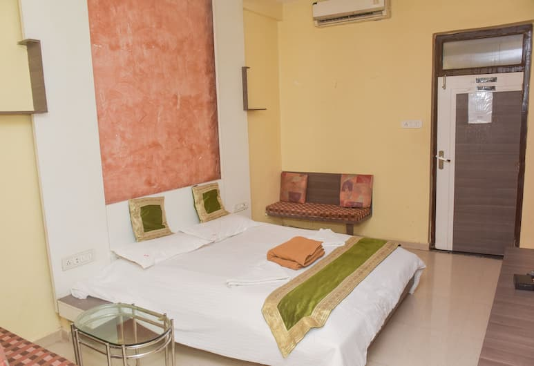 Hotel Nirmal Lodging, Bombay