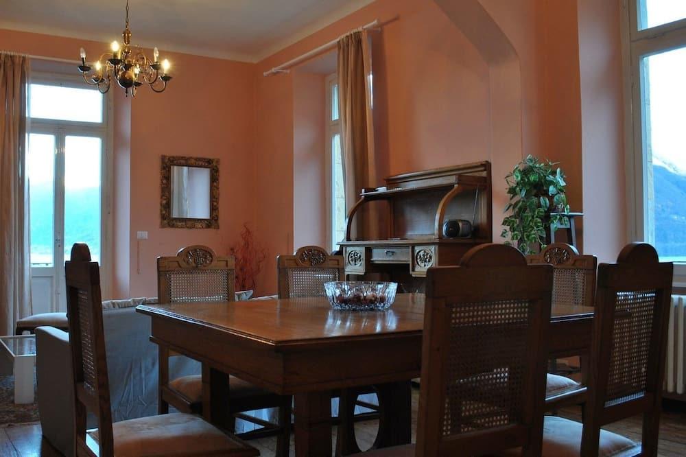 Comfort-Apartment, 3Schlafzimmer - Essbereich im Zimmer