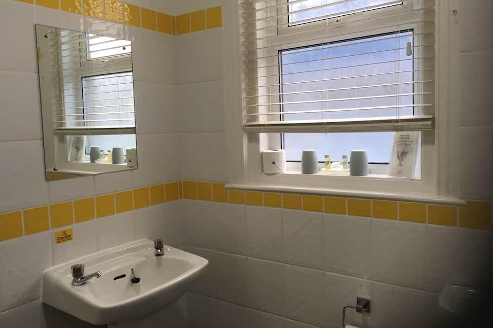 Luxury - kahden hengen huone, Makuuhuoneen yhteydessä oleva kylpyhuone, Näköala puutarhaan (Room 5) - Kylpyhuone