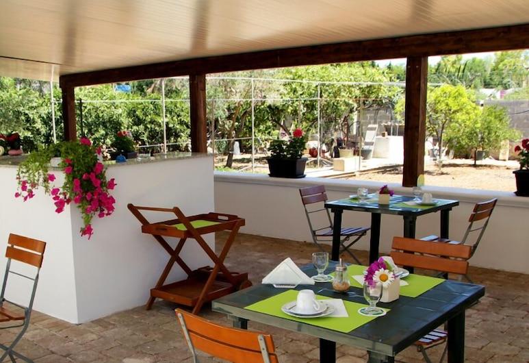 B&B Fellini, Gallipoli, Khu ẩm thực ngoài trời