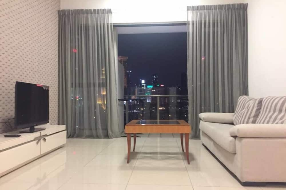 Panoramic Suite, 2 Bedrooms, Balcony, City View - Living Room