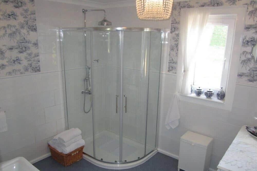 Dvivietis kambarys, 1 standartinė dvigulė lova, Nerūkantiesiems, atskiras vonios kambarys - Vonios kambarys