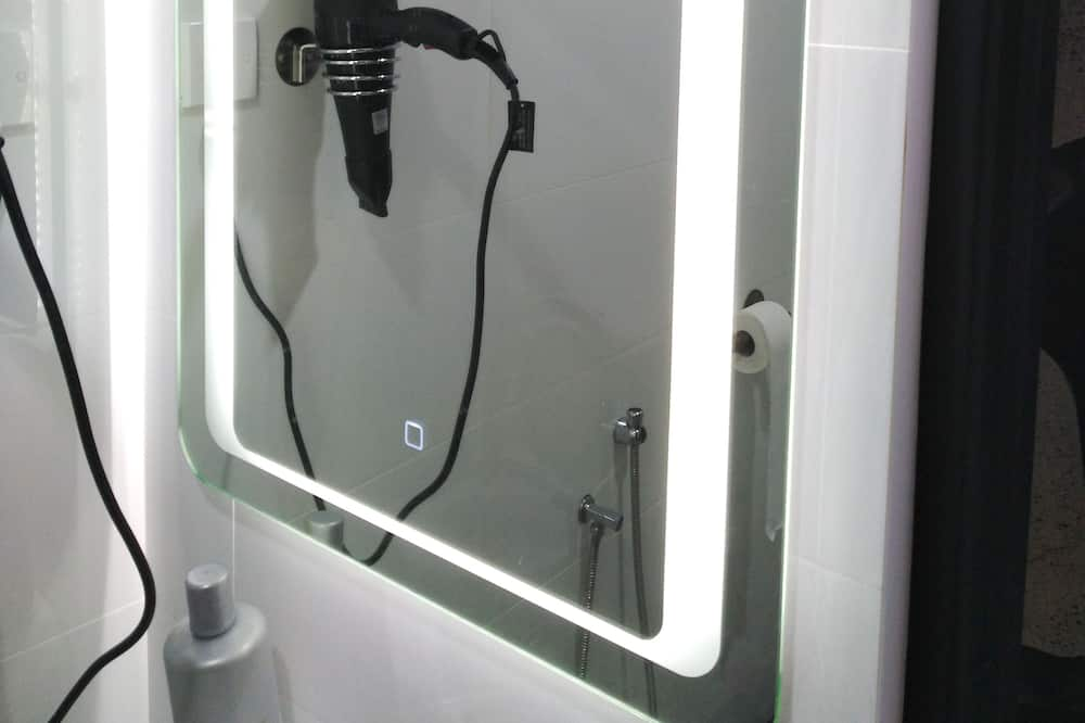 Signature Quadruple Room, 1 Bedroom - Bilik mandi