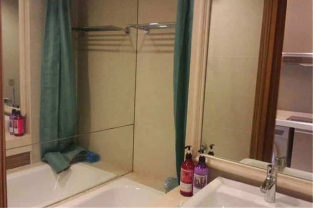 Premium Double Room -Mainland Chinese Citizen Only - Bathroom