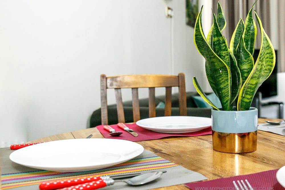 Appartamento familiare, Letti multipli, cucina, vista giardino - Pasti in camera