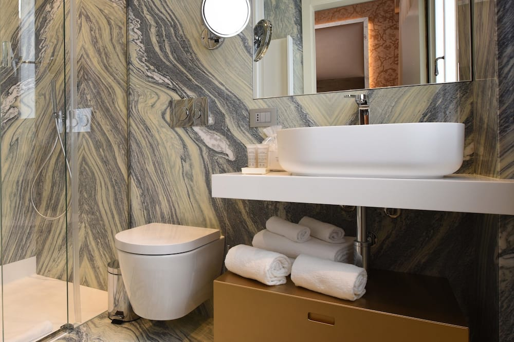 Premier Double Room - Baño