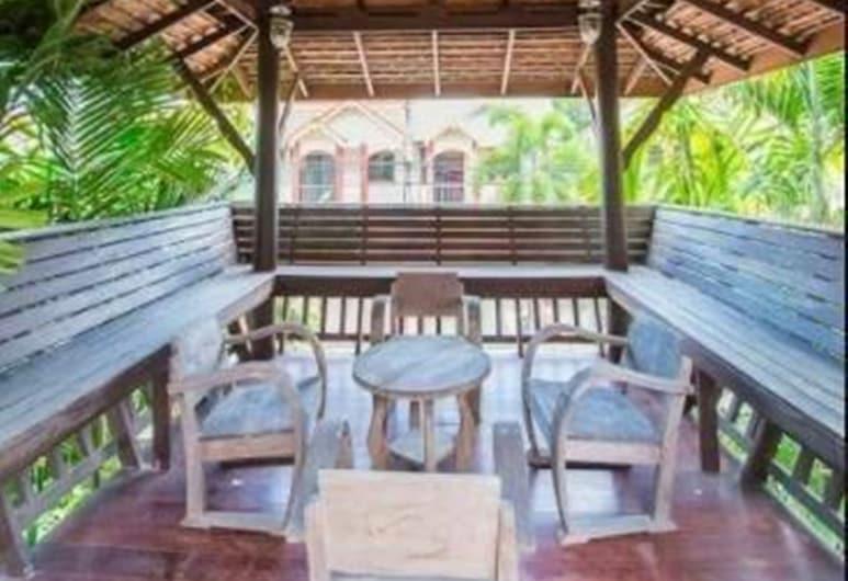 Sanporn Private Pool Villa, Pattaya, 4-Bedroom Villa with Private Pool, Terrace/Patio
