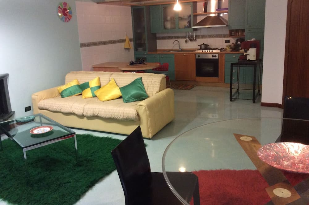 Comfort Apart Daire, 1 Yatak Odası, Engellilere Uygun, Bahçe Manzaralı - Oturma Alanı