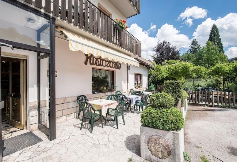 HOTEL CINZIA, Altopiano della Vigolana, Hotel Entrance