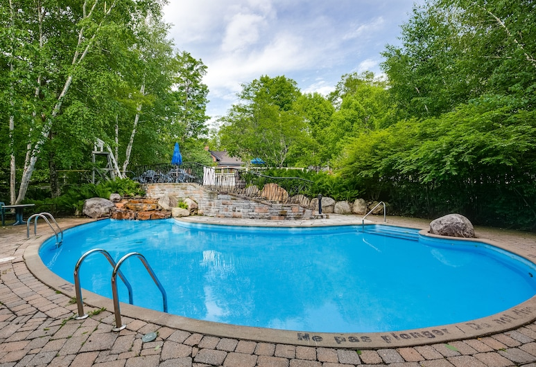Le Manoirby KASANIA, Mont-Tremblant, Outdoor Pool