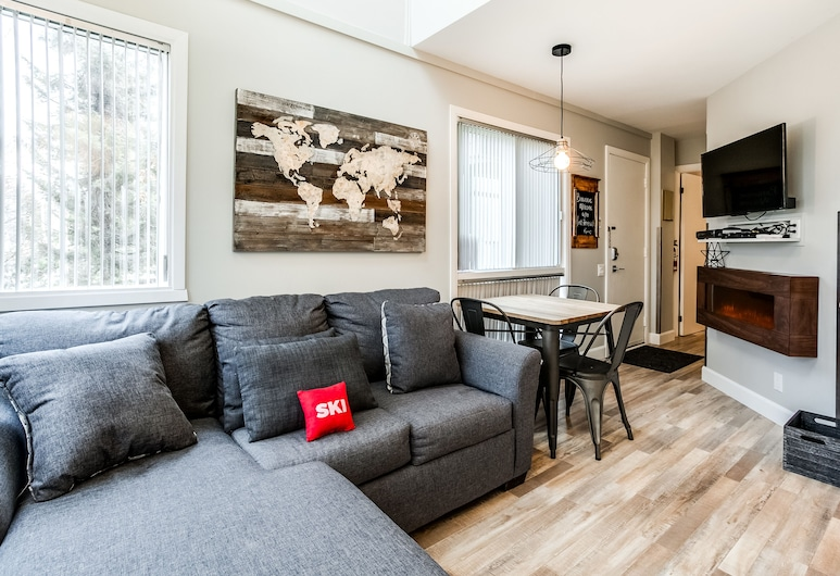 Le Villageois by KASANIA, Mont-Tremblant, Condo, 1 Bedroom, Living Room