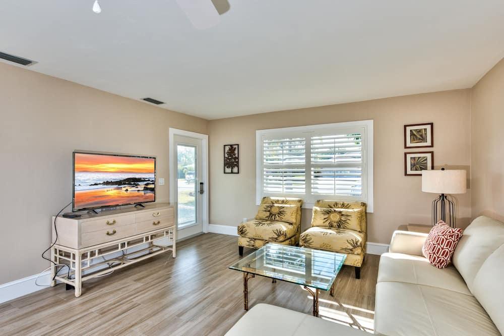 Luxury Villa, 4 Bedrooms - Living Area