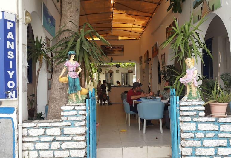 Devran Pansiyon, Bodrum, Hotel Entrance