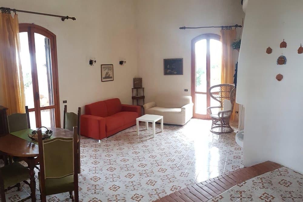 Family Villa, 4 Bedrooms - Living Area
