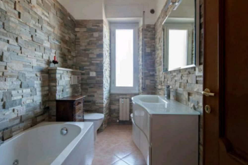 Family Δωμάτιο, Κοινόχρηστο Μπάνιο - Μπάνιο