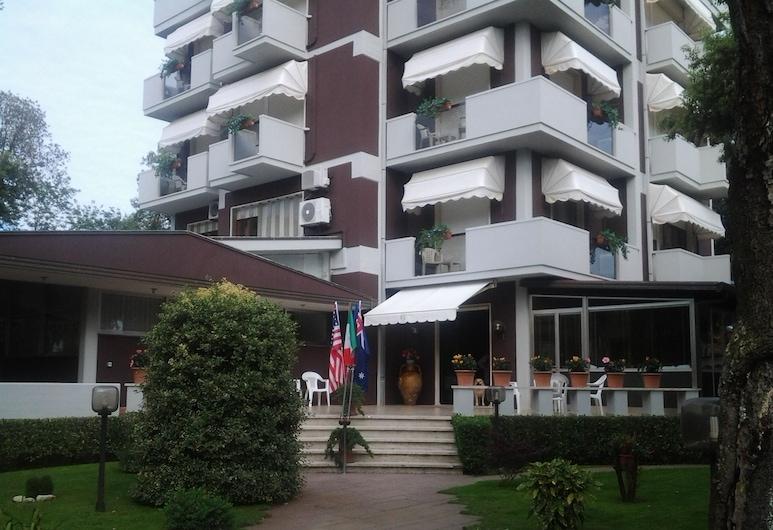 吉伊瑟飯店, 卡馬約雷
