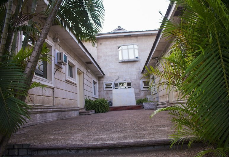 Whitehouse Exclusive Guest House, Lagos, Pohľad na hotel
