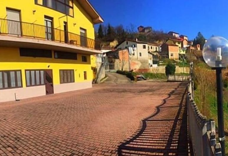 Villacolle Mery, Mongardino, Halaman Dalam