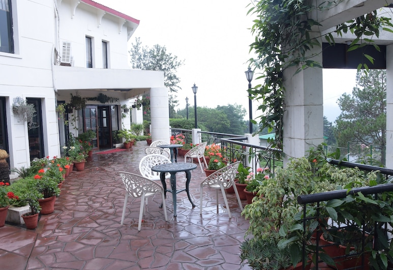 The Pine Crest, Nainital, Terrass