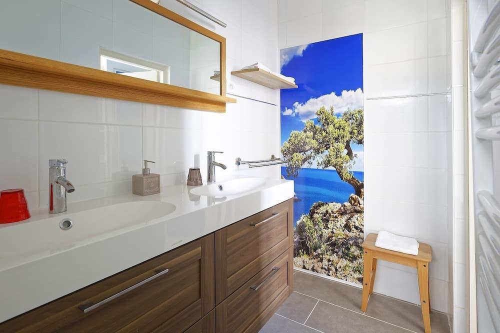 Superior Double Room, Private Bathroom (Océan) - Bilik mandi