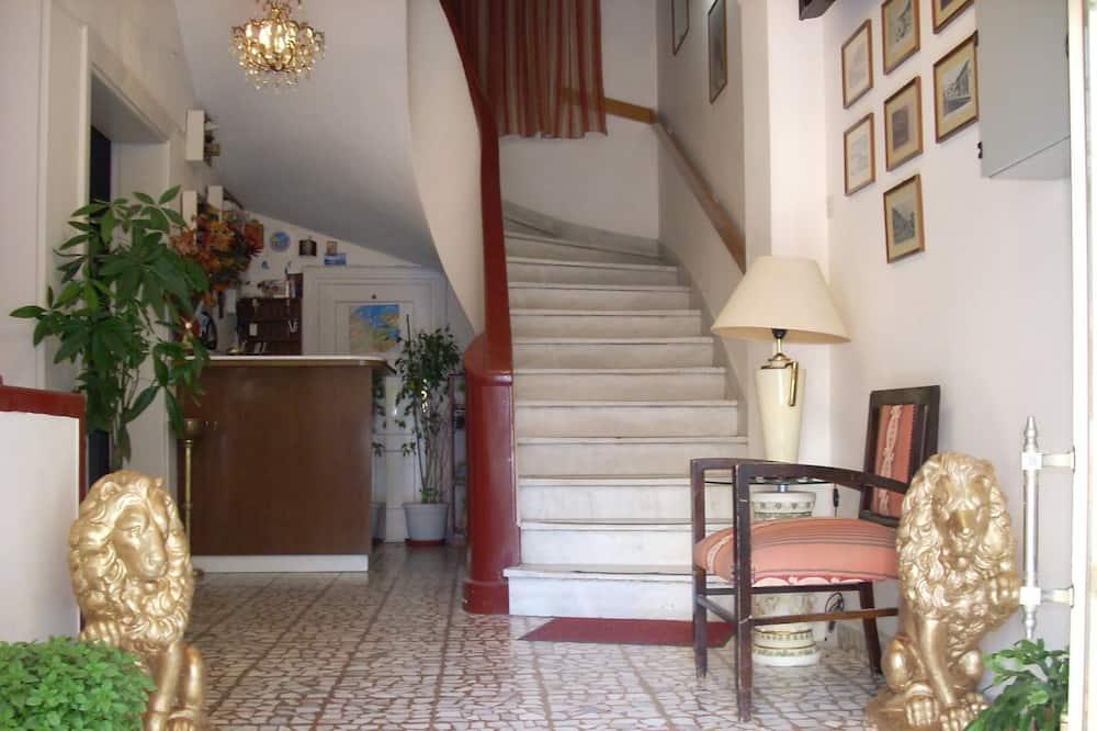 Hotel Acropole