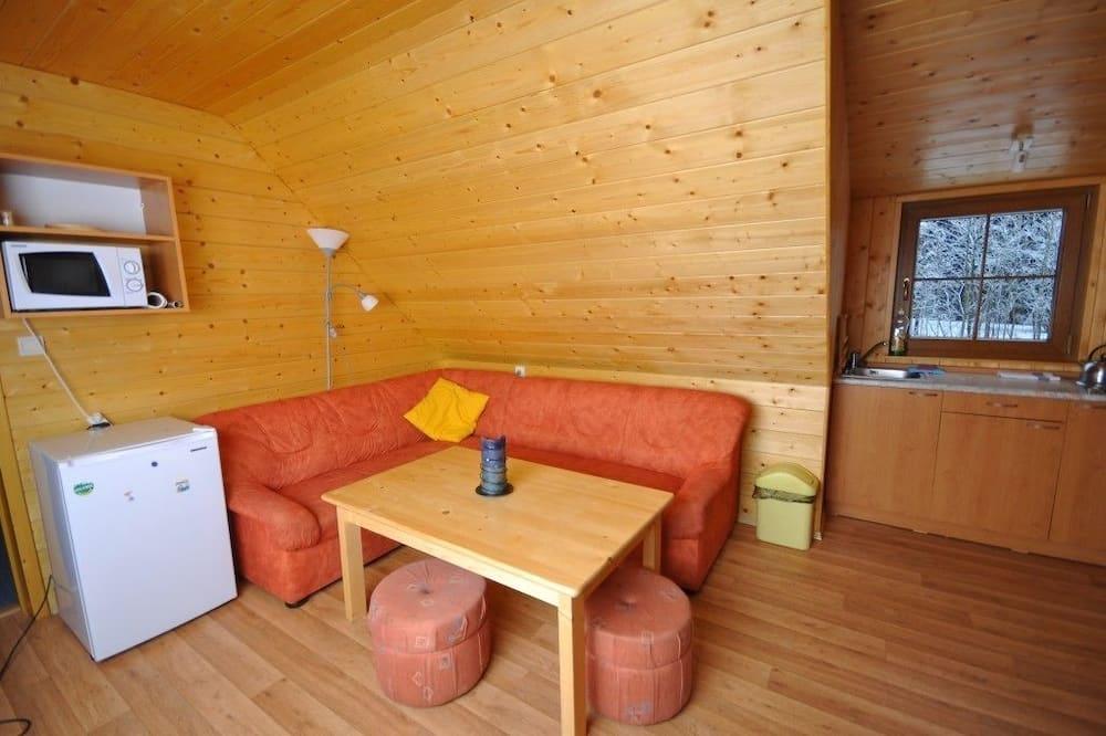 Oda (Apartment 2+2) - Oturma Alanı
