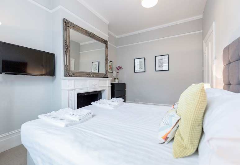 Clapham 2Bed with Patio by BaseToGo, London