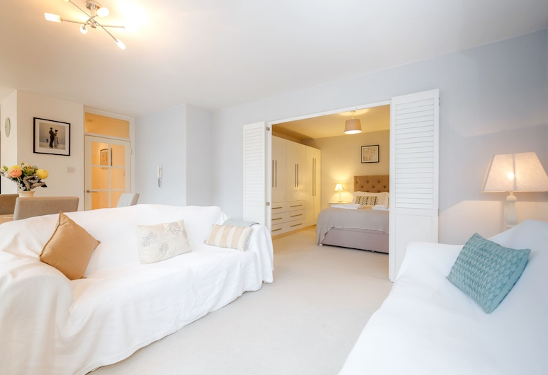 Putney Court - 1 Bed Apartment by BaseToGo, London, Külaliskorter, 1 magamistoaga, Elutuba