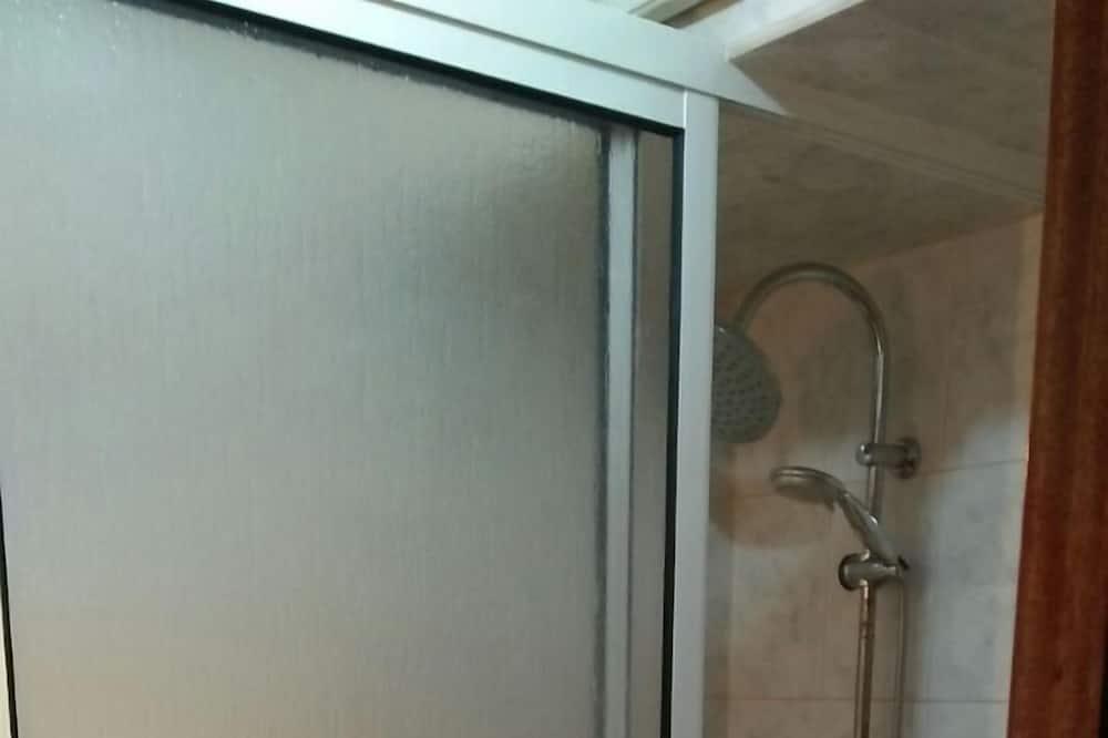 アパートメント 3 ベッドルーム - バスルームのシャワー