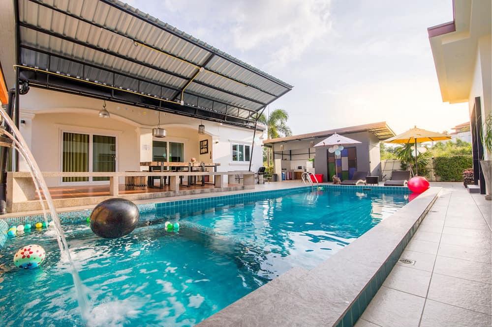 6-Bedroom Pool Villa  - Teres/Laman Dalam