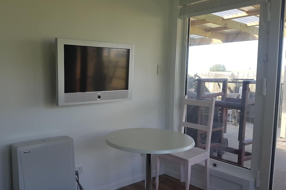 Two Bedroom Bungalow - In-Room Dining