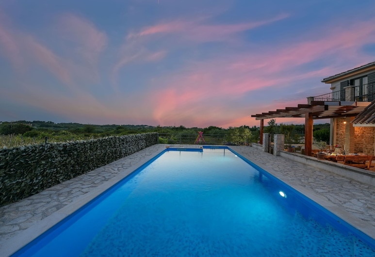 4km Zadar Center, Surrounded by Nature, Kid's Oasis, Total Privacy, Isolation, Zadara, Baseins