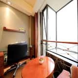 Standard Double Room, City View - Living Area