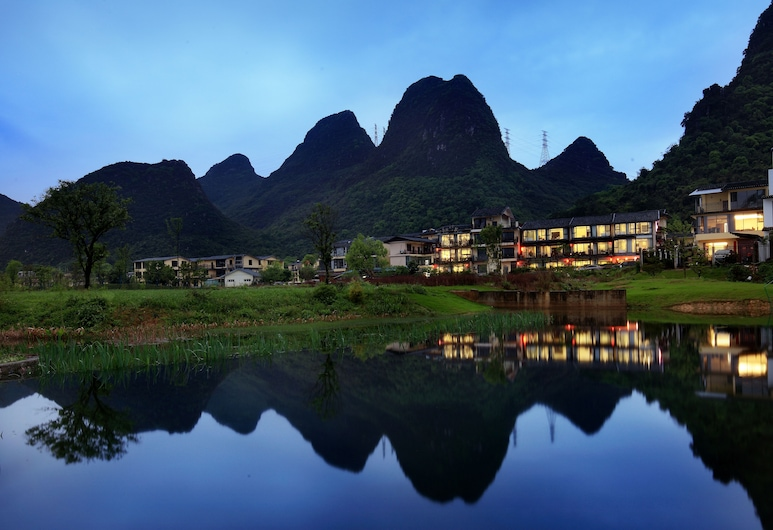 Peach Blossom Resort Hotel, Guilin, Hotel Front