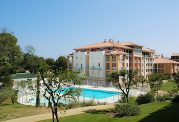 Enter your dates for our Frejus last minute prices
