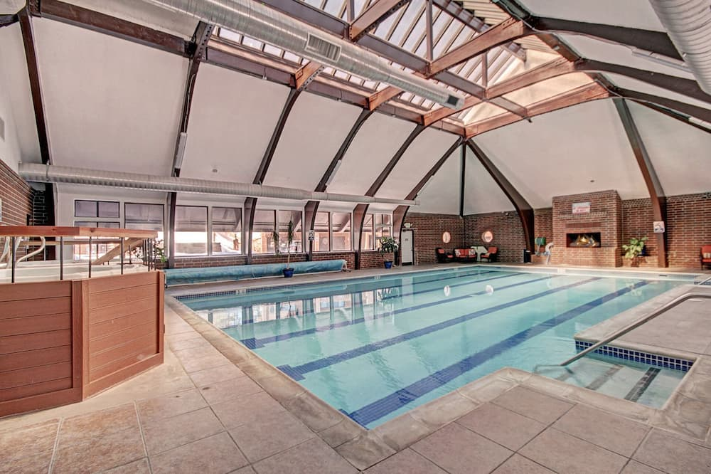 Townhome, 2 Bedrooms - Pool