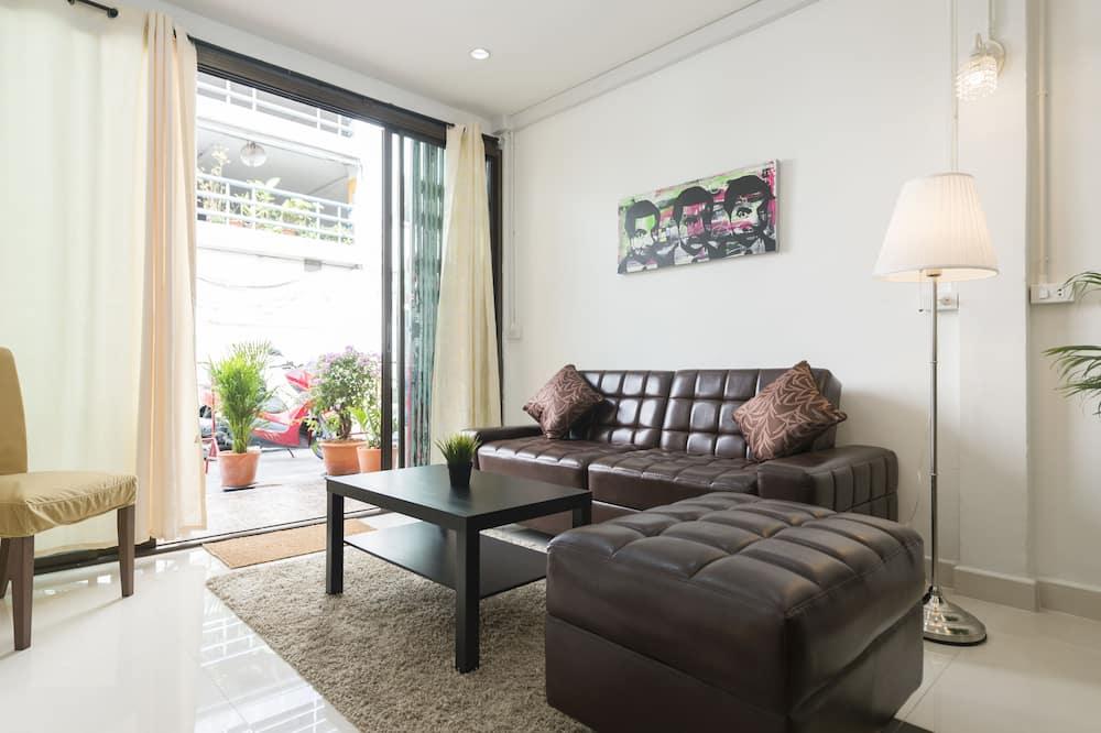 4 Bedrooms Villa  - Вітальня