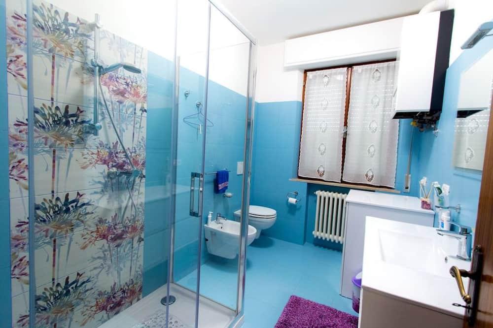 Family House, 3 Bedrooms, Terrace - Bathroom