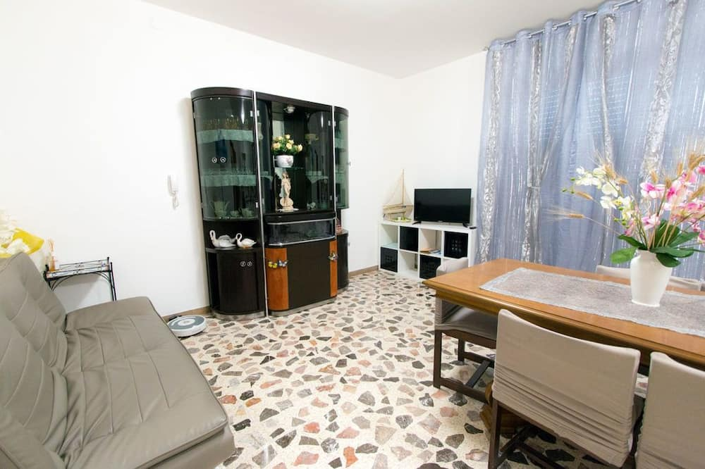 Family House, 3 Bedrooms, Terrace - Living Area