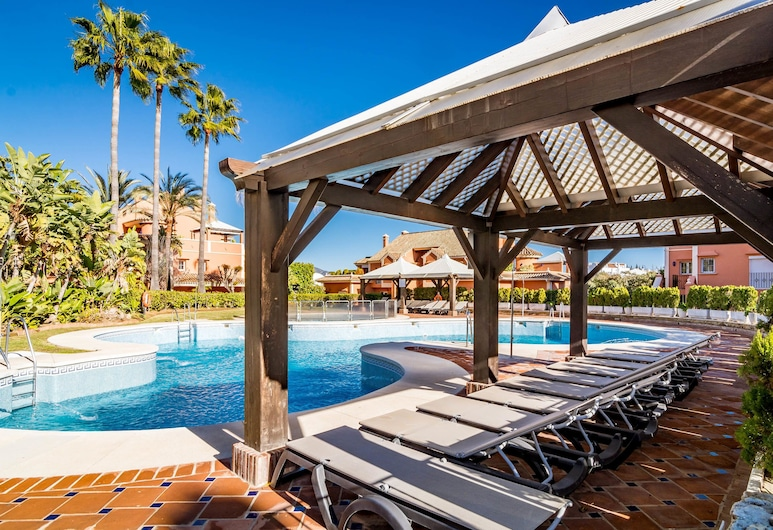 AA-Family friendly 3 bedroom Apartment, Marbella, Buitenzwembad