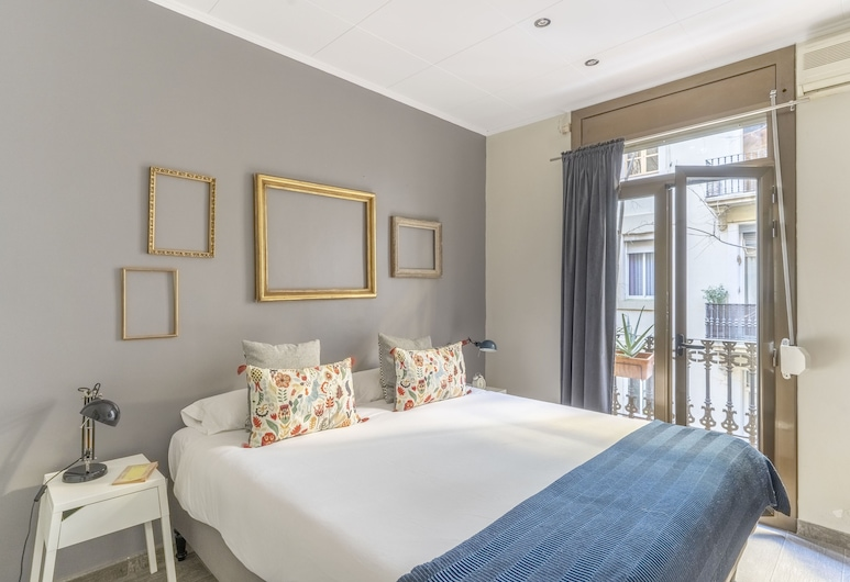 Lovely and Central 4 BR Apartment, Barcelona, Izba