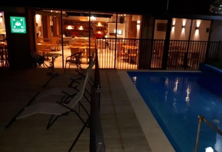 Hotel Cumbres de Pucón, Pucon, Piscina Exterior