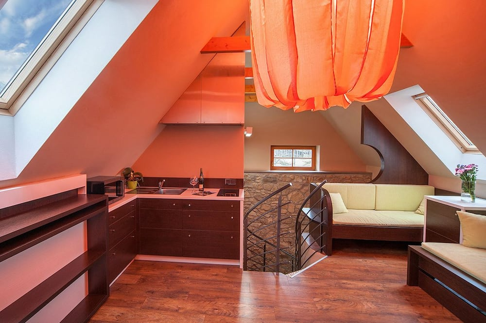 Classic Duplex (Std2) - Living Area