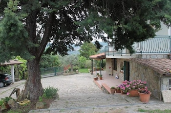 在阿格罗波利的花朵别墅家庭旅馆照片