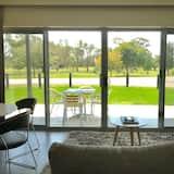 Deluxe Apart Daire, 2 Yatak Odası, Mutfak, Golf Manzaralı - Oturma Alanı