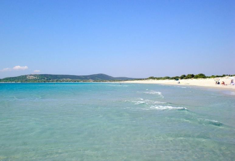 ¡Magnífica villa independiente en Porto Pino, a solo 2 minutos de la playa!, Sant'Anna Arresi, Playa