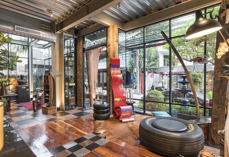 MeStyle Garage Hotel Bangkok, Bangkok, Lobby