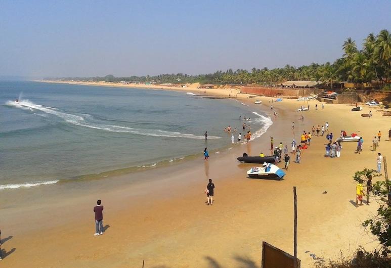 Ocean Waves Goa Holiday, Calangute